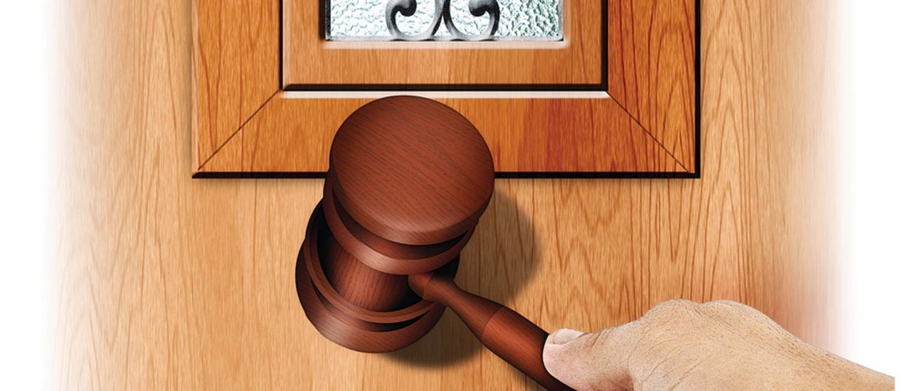É preciso tempo, e paciência, para conseguir a posse de imóvel comprado em leilão Foto: Arte de André Mello