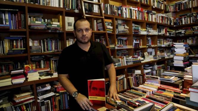 """Leslie Leitão, um dos autores de """"Indefensável: miséria social"""" Foto: Custódio Coimbra / O Globo"""