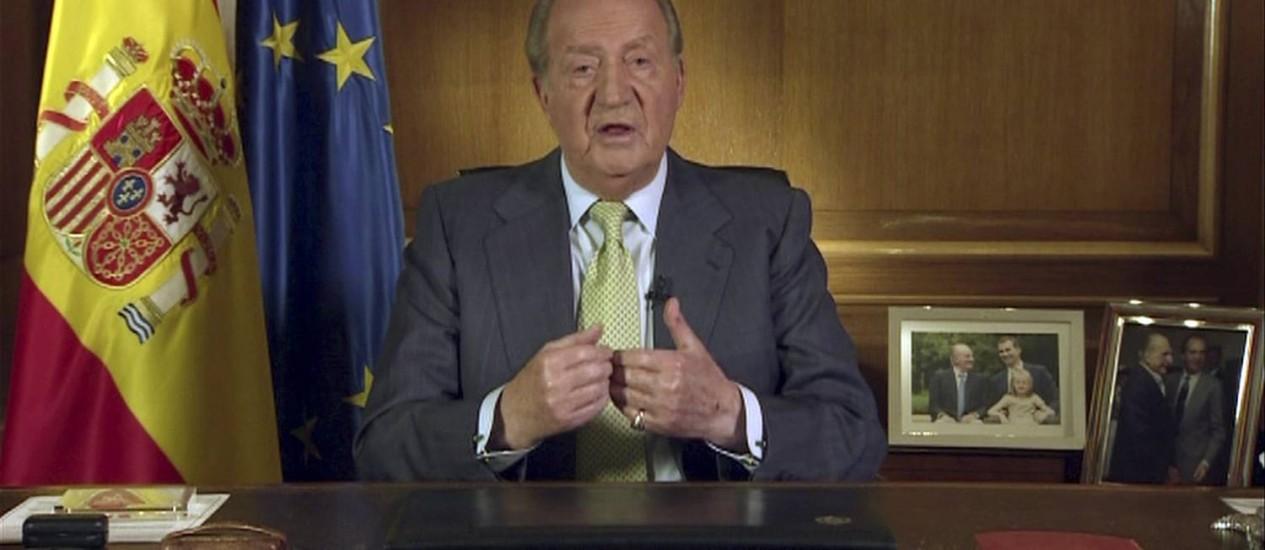 Spain's King Juan Carlos announces his abdication at the Zarzuela Palace Foto: REUTERS TV / REUTERS