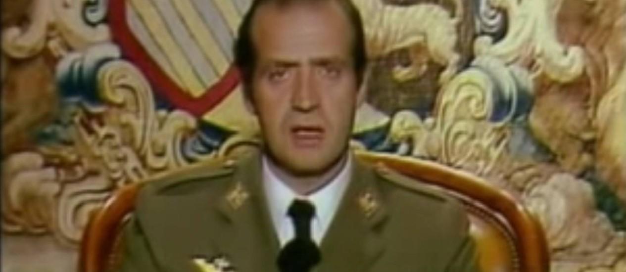 Rei Juan Carlos I faz um discurso televisionado se opondo a golpe Foto: Reprodução YouTube