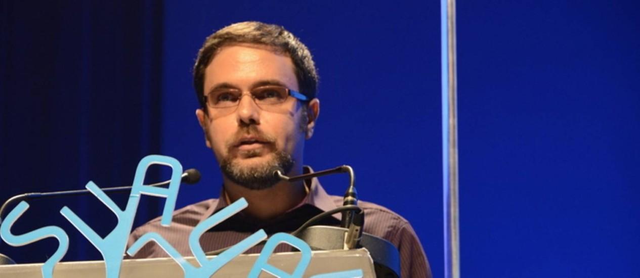 José Luiz Passos: vencedor de 2013 na categoria romance Foto: Picasa / Divulgação