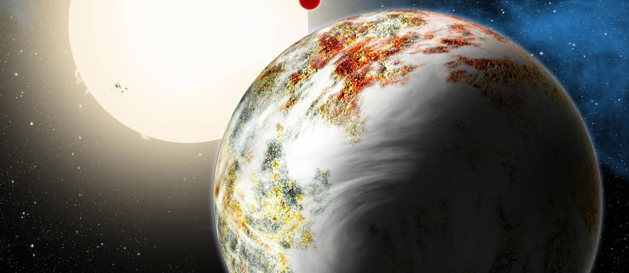 """Ilustração mostra a recém-descoberta """"mega-Terra"""", tendo ao fundo o """"mundo lava"""" e a estrela-mãe do sistema Kepler-10 Foto: Divulgação/David A. Aguilar/CfA"""