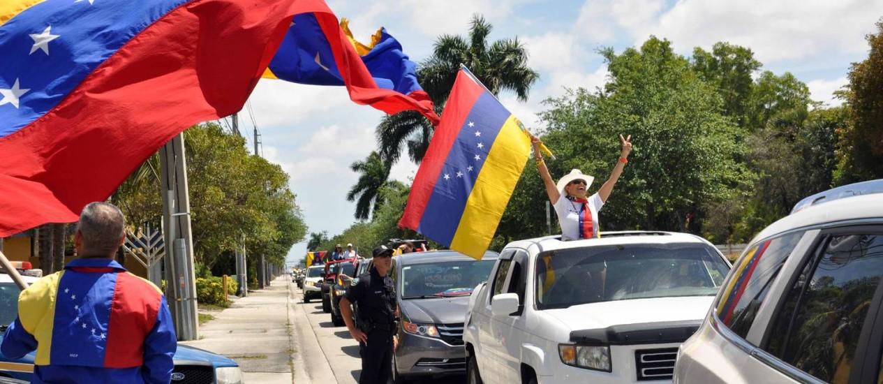 Venezuelanos fazem caravana para pressionar EUA a punir seu próprio país, com, por exemplo, sanções Foto: Divulgação