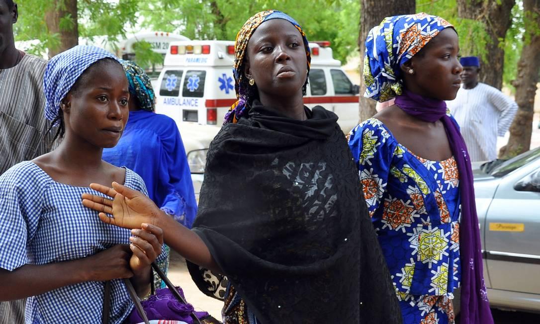 Estudantes que escaparam do cativeiro do grupo Boko Haram Foto: / AFP