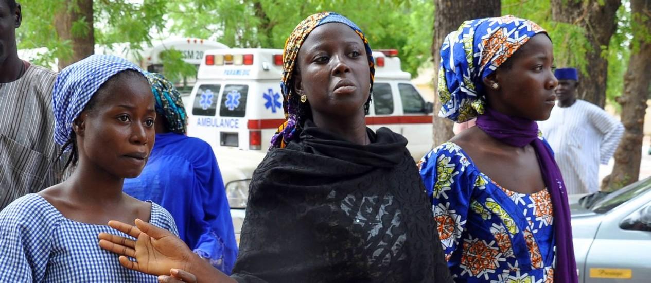 Estudantes que escaparam do cativeiro do grupo Boko Haram Foto: AFP