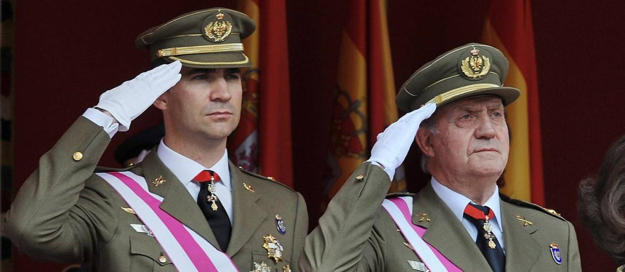 O príncipe Felipe e o rei Juan Carlos Foto: AFP-1-6-2008