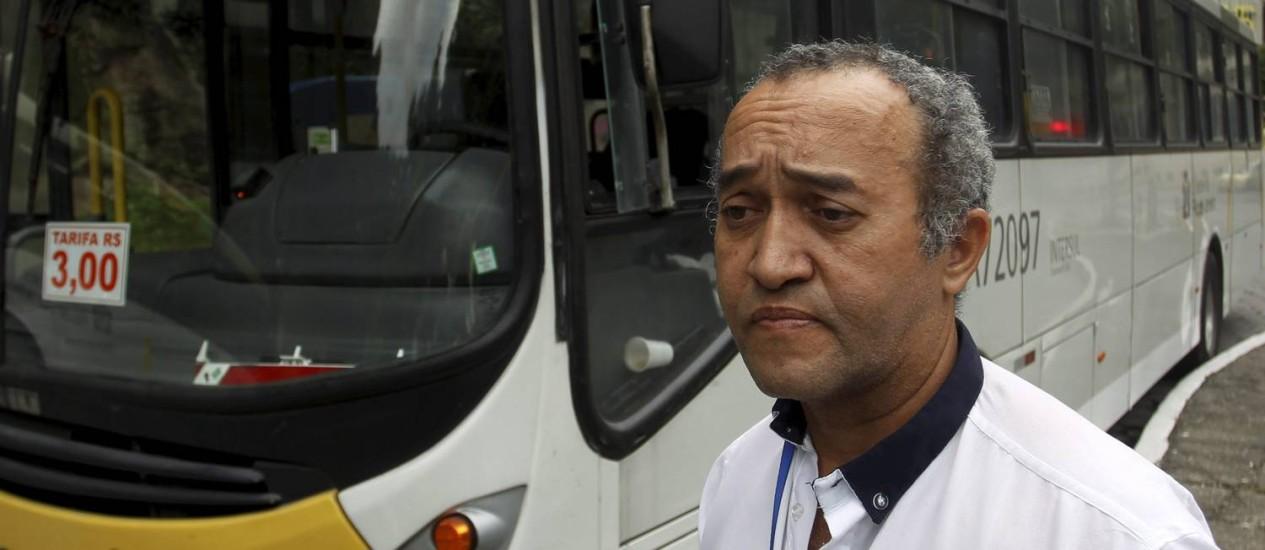 O motorista Amarildo Gomes que tentou socorrer o fotógrafo Foto: Gabriel de Paiva / Agência O Globo