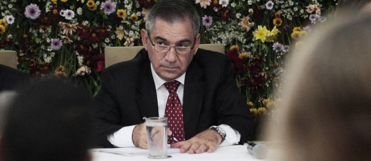 Ministro da secretária geral, Gilberto Carvalho, defendeu a criação de conselhos populares Foto: Jorge William / Agência O Globo