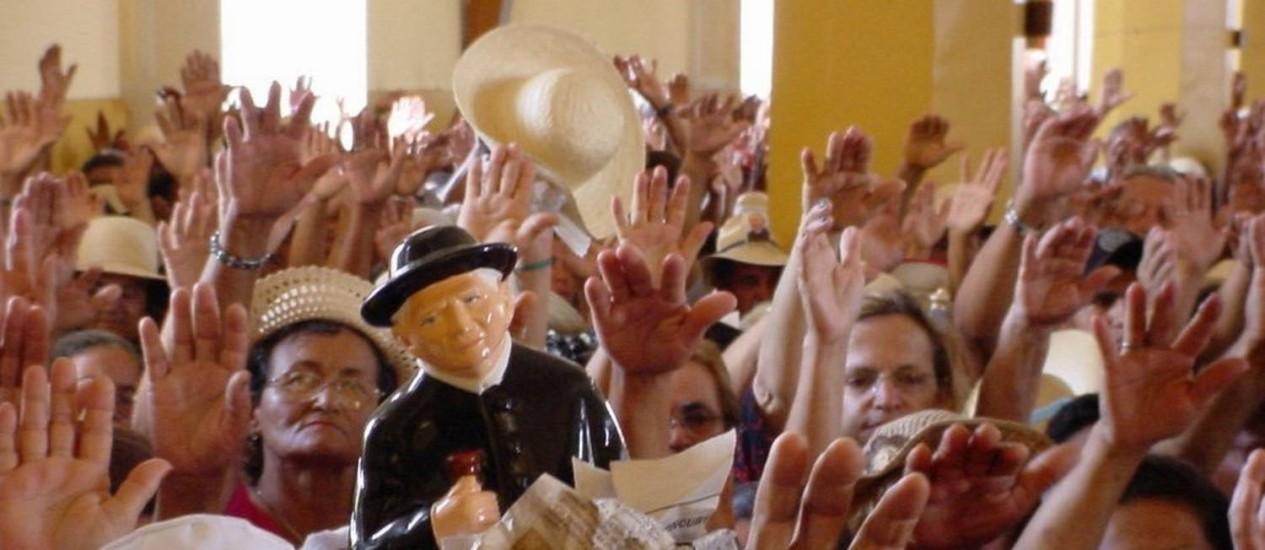 Romeiros devotos de Padre Cícero em procissão em Juazeiro do Norte, no Ceará Foto: Divulgação