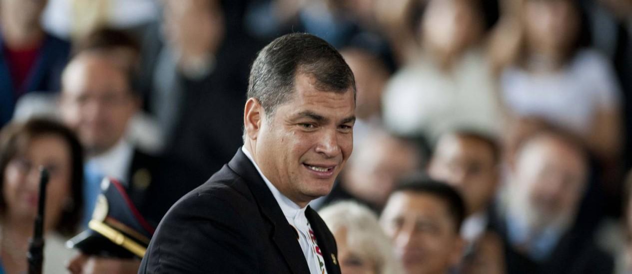 O presidente equatoriano Rafael Correa durante cerimônia em San Salvador Foto: JOSE CABEZAS / AFP