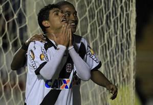 Dakson e Edmilson fizeram os gols do Vasco, no segundo tempo Foto: Divulgação / Vasco