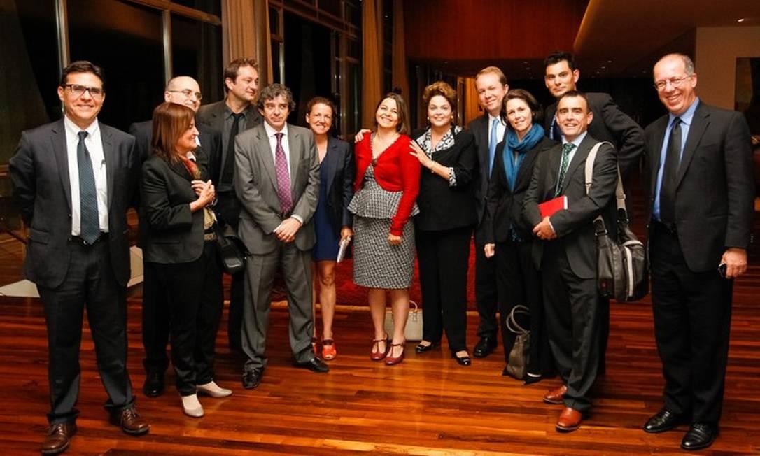 A presidente Dilma durante jantar com correspondentes estrangeiros no Palácio da Alvorada Foto: Roberto Stuckert Filho / Presidência da República
