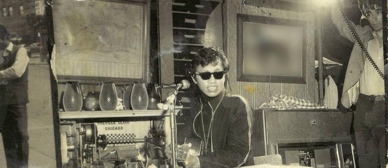 """O cantor e compositor Sixto Rodriguez no documentário """"Procurando Sugar Man."""" Foto: Hal Wilson / Agência O Globo"""