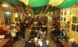 Decorado. Salão principal com as cores da bandeira do Brasil