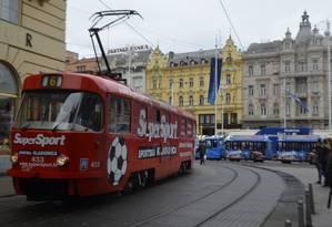 Bondinho nas ruas de Zagreb, na Croácia Foto: Cristina Massari / O Globo