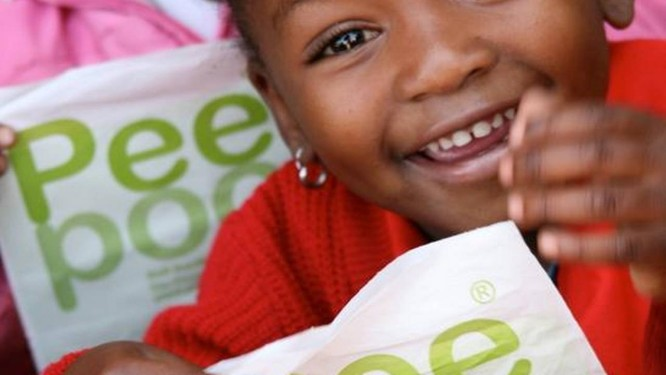 Dez mil crianças usam Peepoo no quênia todos os dias Foto: Divulgação