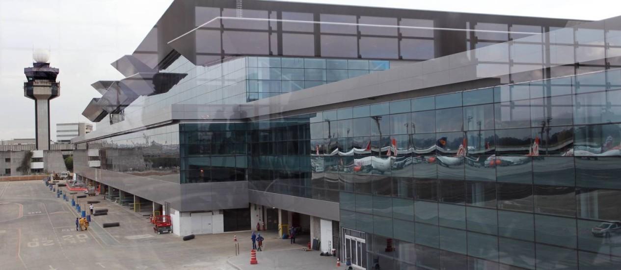 Terminal 3 do aeroporto internacional de Guarulhos: terceiro aeroporto de SP pode não sair do papel Foto: Fernando Donasci / O Globo