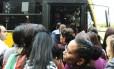 Greve dos metroviários em São Paulo provoca superlotação nos ônibus