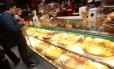 Fiscais vão verificar condições de higiene de alimentos em bares e restaurantes