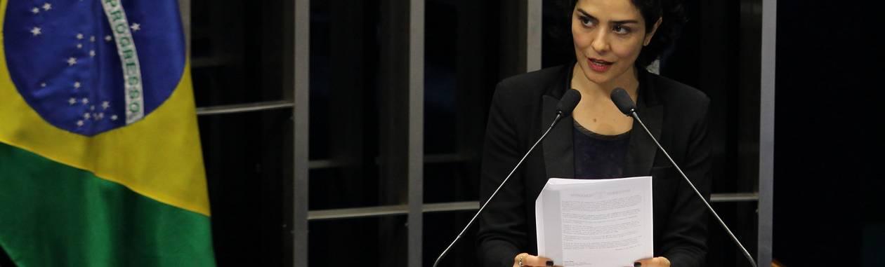 A atriz Letícia Sabatella em seu discurso na sessão do Congresso que promulgou a Emenda Constitucional que trata da desapropriação de imóveis quando configurado o trabalho escravoFoto: Ailton de Freitas / Agência O Globo