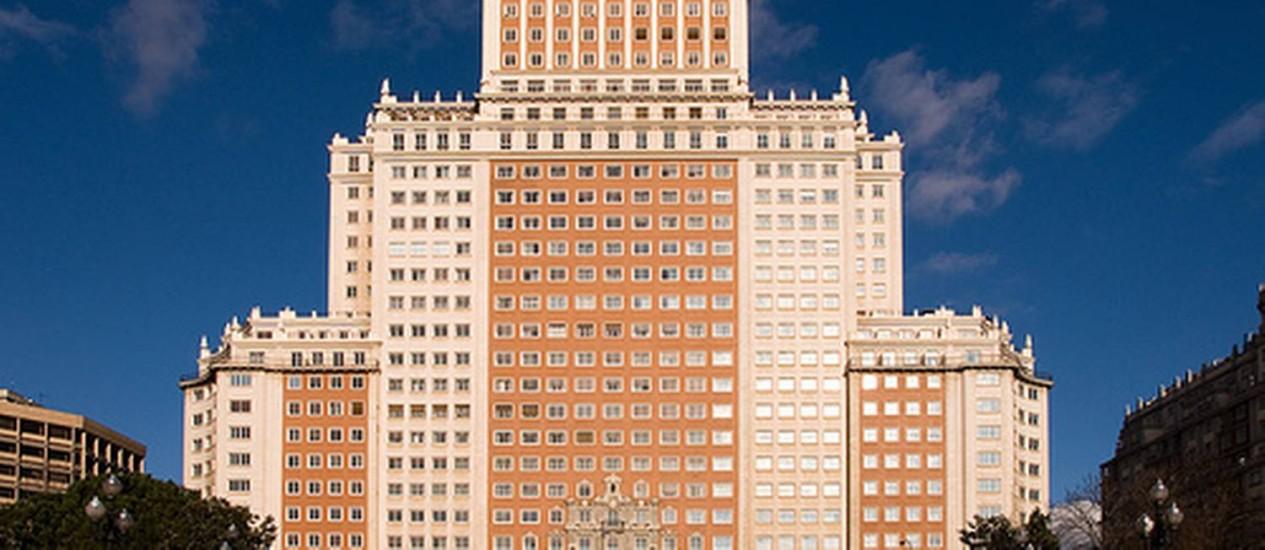 Construído na década de 40, o Edifício España já foi o maior do país Foto: Reprodução