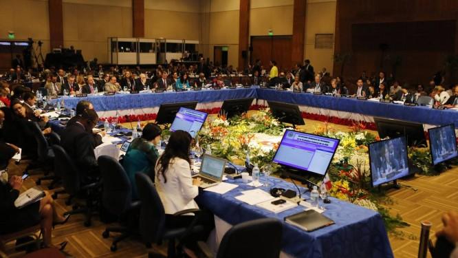Membros da Assembleia Geral da Organização dos Estados Americanos se reúnem em Luque, perto da capital paraguaia, Assunção Foto: JORGE ADORNO / REUTERS