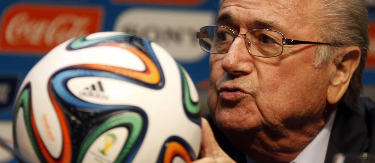 O presidente da Fifa, Joseph Blatter, durante coletiva nesta quinta-feira Foto: PAULO WHITAKER / REUTERS