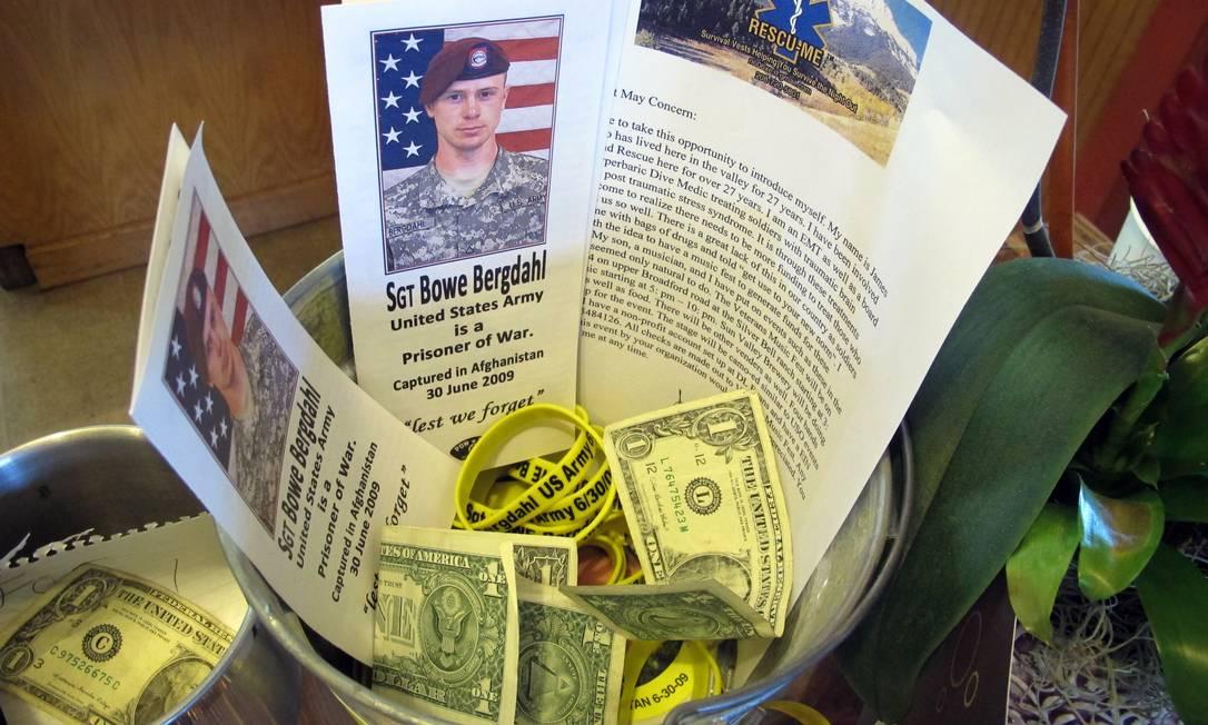 Balde com doações para a família de Bowe Bergdahl em um café no centro de Hailey, Idaho Foto: Brian Skoloff / AP