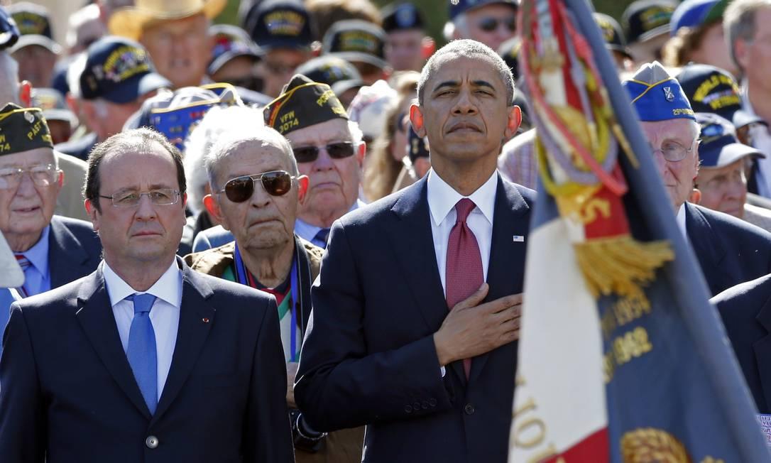 Barack Obama e François Hollande participam do aniversário do 70º aniversário do Desembarque da Normandia Foto: PASCAL ROSSIGNOL / AFP