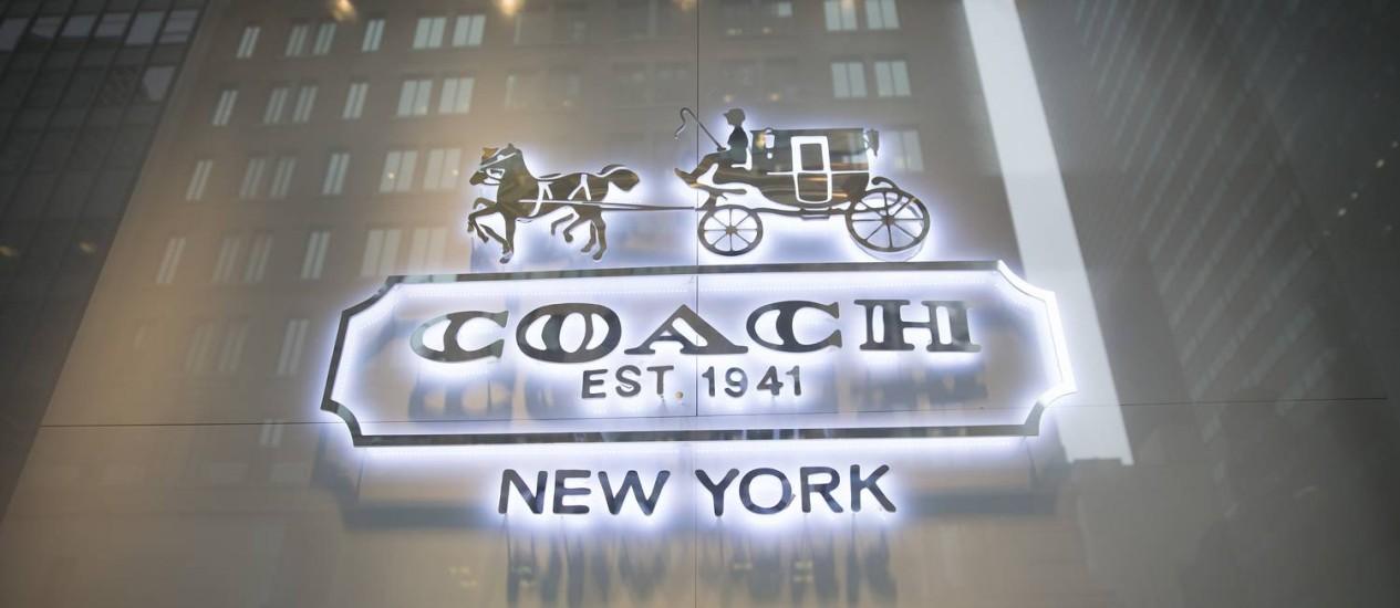 Vitrine da Coach em Nova York: descontos duas vezes por ano Foto: Scott Eells / Bloomberg
