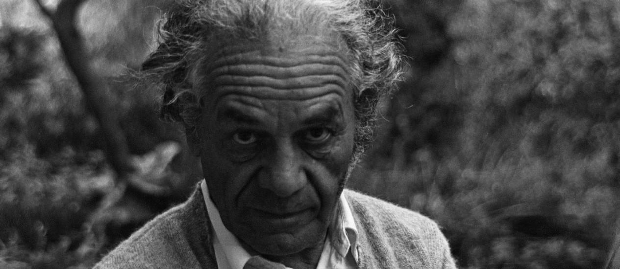 """O poeta chileno Nicanor Parra, em foto incluída na exposição """"Parra 100"""" e no livro """"Parra à vista"""" Foto: Divulgação/ARQUIVO NICANOR PARRA"""