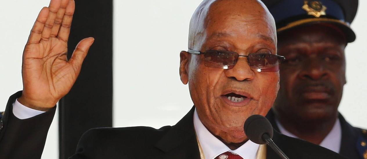 Reeleito no final de maio, presidente Jacob Zuma foi internado por exaustão na África do Sul Foto: SIPHIWE SIBEKO / AFP