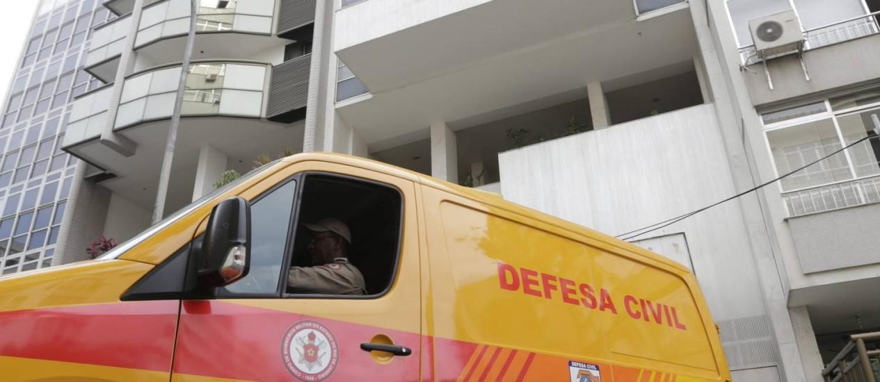 A portaria do prédio onde morava o alemão Stefan Krause, morto pela mulher, que depois se jogou da janela do apartamento Foto: Márcia Foletto / Agência O Globo