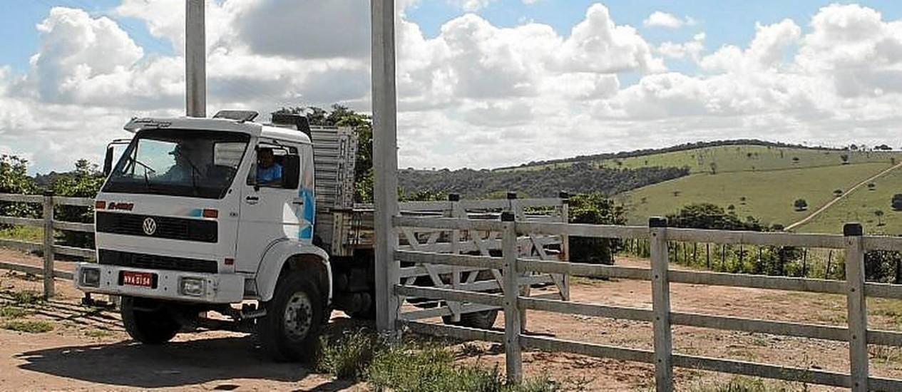 No Sertão. Porteira da Fazenda Esperança, do ex-governador Eduardo Campos Foto: Hans von Manteuffel