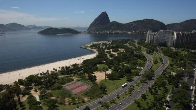 Deu certo. O Aterro do Flamengo chegou a ser alvo de críticas quando foi planejado e hoje é um ícone da cidade Foto: Eduardo Naddar/01-02-2012 / O Globo