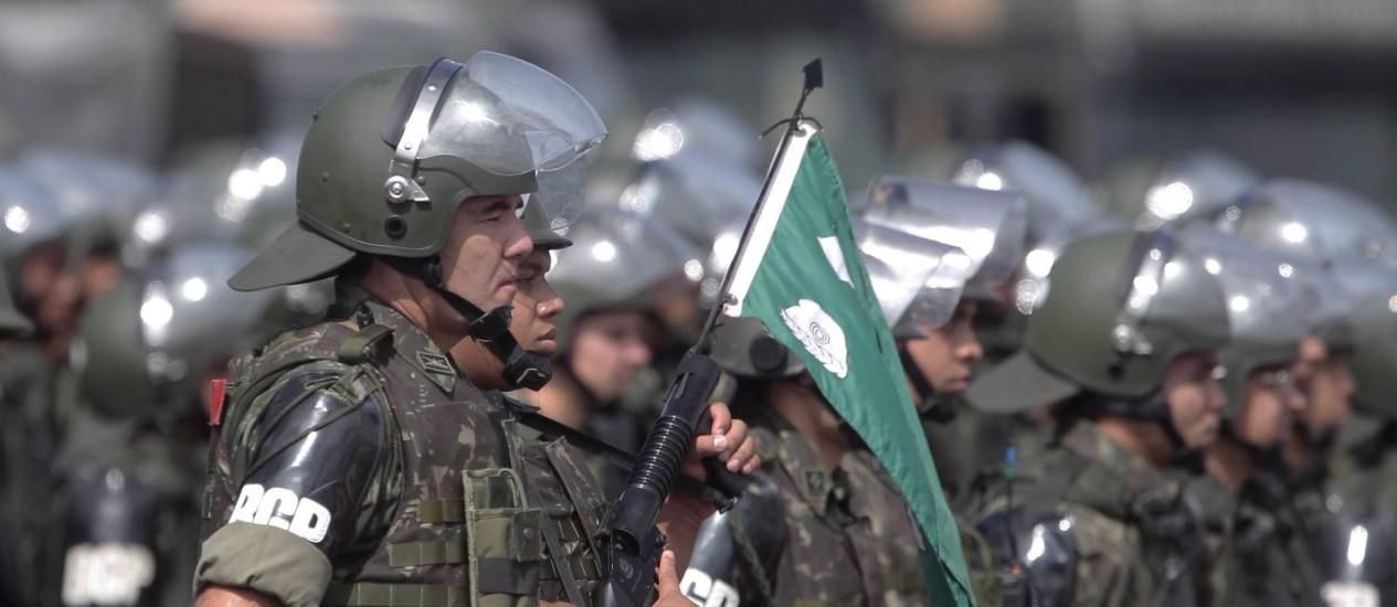 Forças Armadas de prontidão duranre a Copa Foto: Jorge William / O Globo