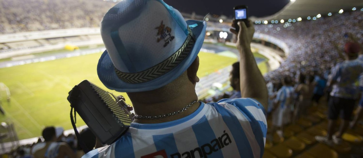 Na torcida. Teles criaram pacotes para os estrangeiros que vão assistir aos jogos da Copa no país