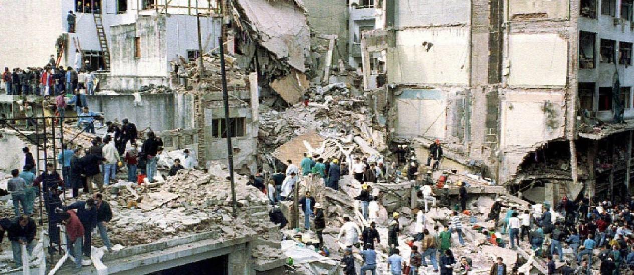 Atentado na AMIA. Membros do governo iraniano são principais suspeitos de explosão que deixou 85 mortos em 1994 Foto: Enrique Marcarian
