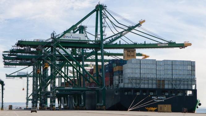 Contêineres em porto de Portugal Foto: Mario Proenca / Bloomberg News