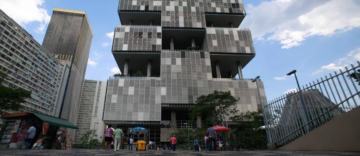 Sede da Petrobras, no Centro do Rio: estatal questiona o recolhimento de tributos Foto: Pedro Kirilos/21-3-2014
