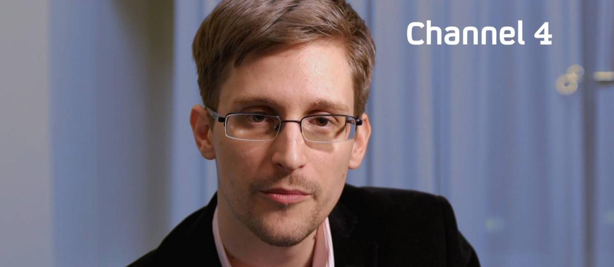 Edward Snowden em entrevista ao Channel 4 em uma mensagem de Natal, no ano passado Foto: AFP-24-12-2013
