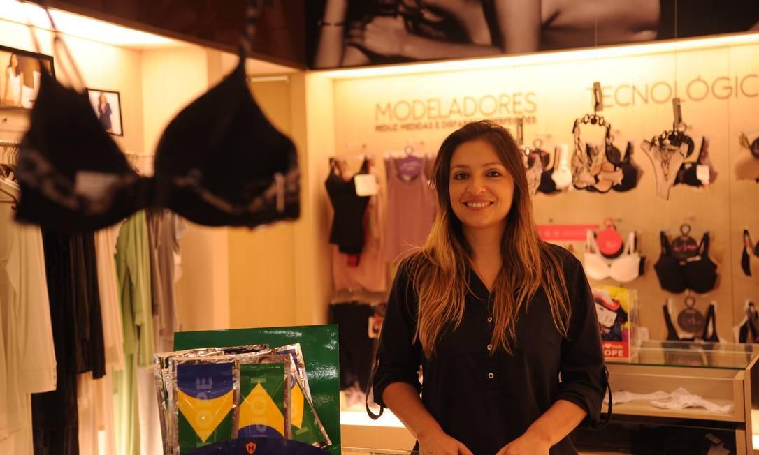Sheila Küster, gerente da Hope, diz que a Copa está impedindo a alta da venda de lingeries Foto: Adriana Lorete / O GLOBO
