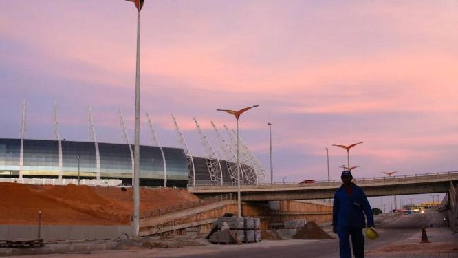 Castelão. No estádio, primeiro das cidades-sede a ficar pronto, obras no entorno são entregues em cima da hora Foto: Marília Camelo