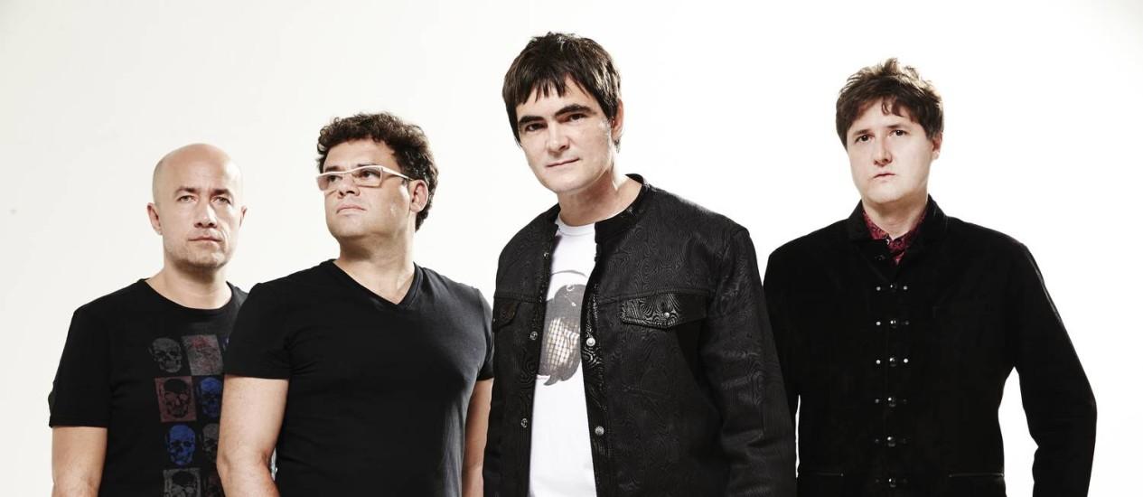"""Skank lança o CD """"Velocia"""" Samuel, Henrique Portugal (teclados), Haroldo Ferretti (bateria) e Lelo Zaneti (baixo). Foto: Weber Padua / Divulgação"""