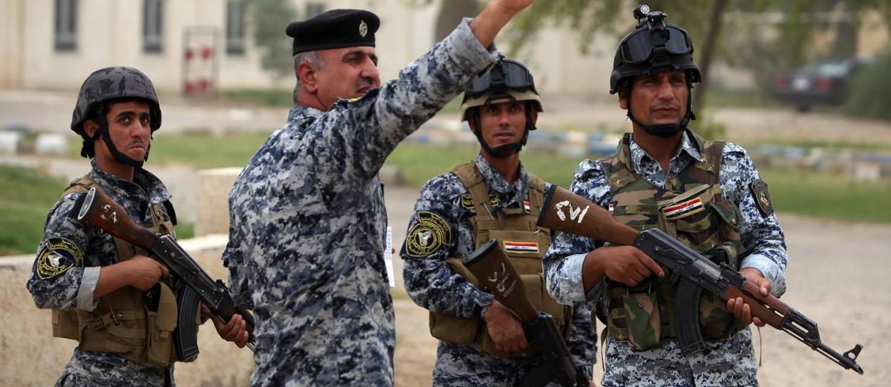 Exército iraquiano está com o poder enfraquecido após aumento dos abandonos Foto: AHMAD AL-RUBAYE / AFP
