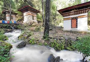 Barulho de água corrente reforça a aura sagrada do Ninho do Tigre Foto: Christian Kober / Robert Harding Premium/AFP