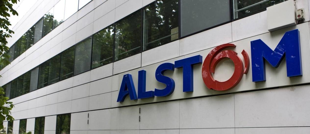 Fachada do escritório da Alstom, em Paris, que é alvo de disputa entre a GE e a Siemens Foto: Ivan Guilbert/Bloomberg/25-4-2014