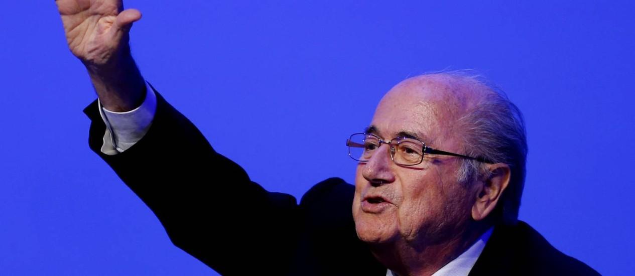 Joseph Blatter gesticula durante congresso da Fifa em São Paulo Foto: Julio Cortez / AP