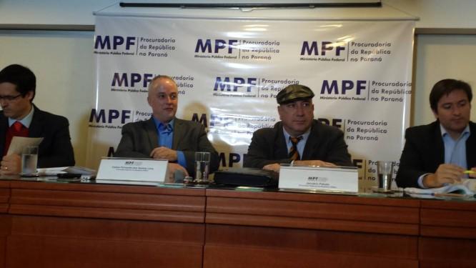 Procuradores acreditam que Paulo Roberto tenha outras contas no exterior.