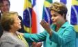 A presidente Dilma Rousseff se encontra com a presidente do Chile, Michele Bachelet antes da abertura da Copa do Mundo